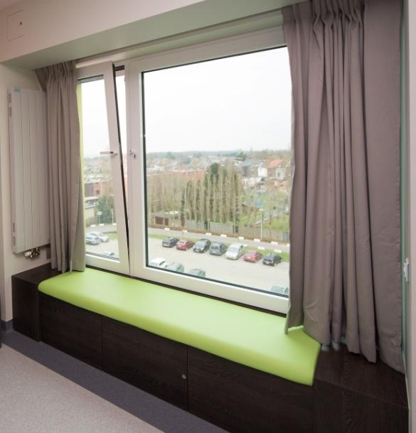 d sign banquette fenetre. Black Bedroom Furniture Sets. Home Design Ideas